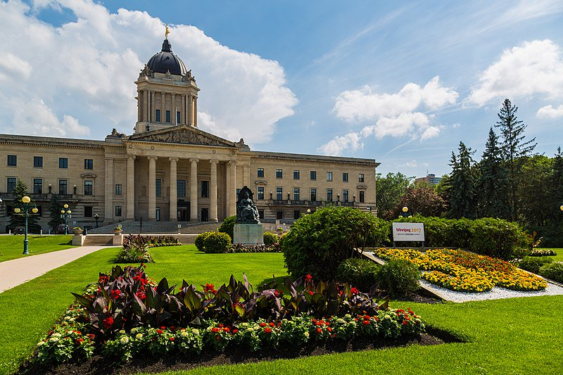 A view of Manitoba's Legislative Building in the summer.