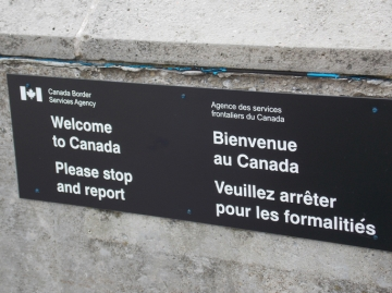 A Canadian border sign at Niagara Falls, Ontario